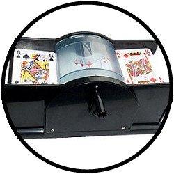 Mit dieser Mischmaschine, ist jeder in der Lage Karten zu mischen.